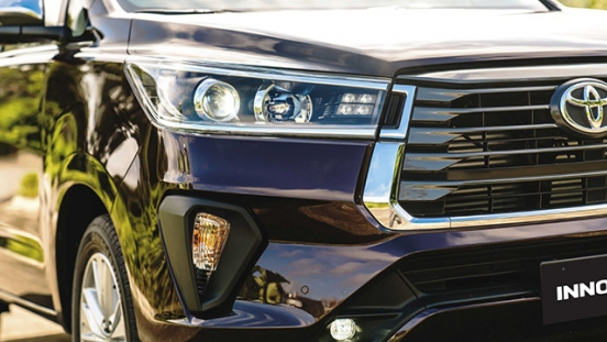 2021 Toyota Innova exterior headlights Philippines