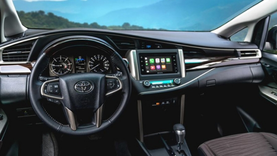 2021 Toyota Innova interior dashboard Philippines