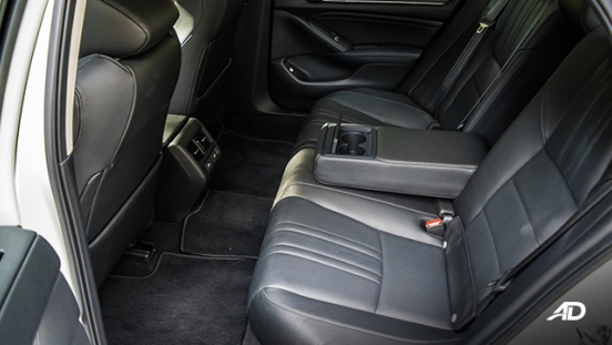 honda accord review road test rear cabin legroom interior