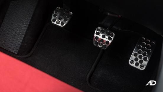 honda civic type r review road test pedals manual interior philippines