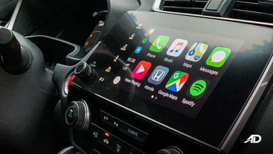 honda cr-v review road test apple carplay interior touchscreen philippines