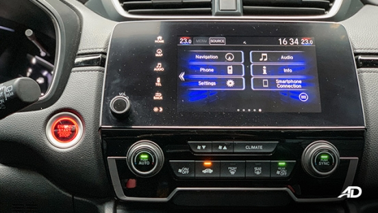 honda cr-v review road test infotainment system interior