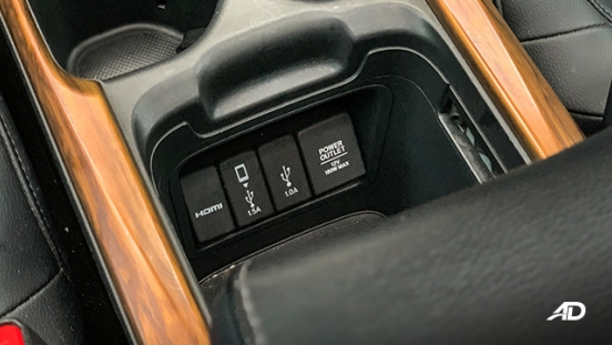 honda cr-v review road test usb ports interior