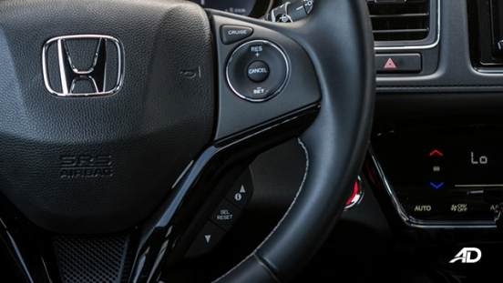 honda hr-v review road test cruise control interior