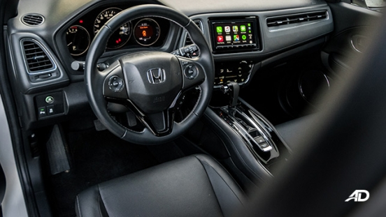 honda hr-v review road test front cabin interior