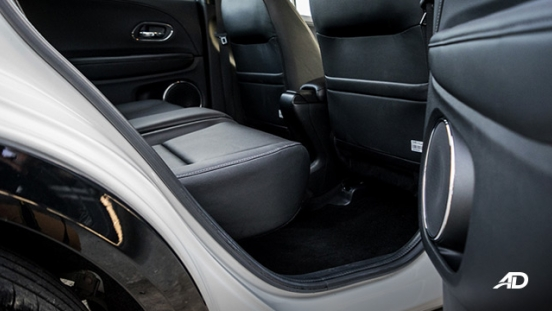 honda hr-v review road test rear legroom interior