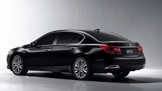 Honda Legend 2018 rear