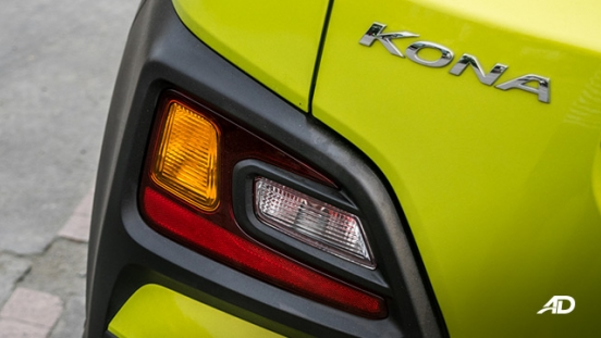 hyundai kona review road test rear turn signal lights exterior philippiens
