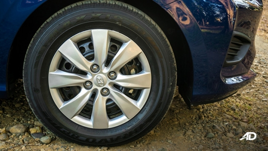hyundai reina road test exterior wheels
