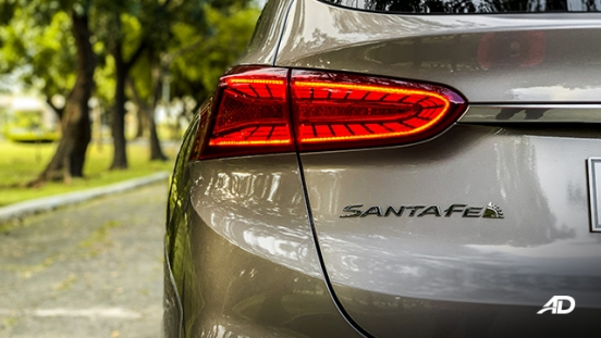 hyundai santa fe road test exterior tail