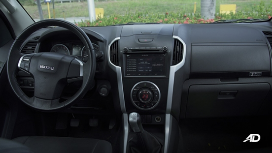isuzu d-max review road test dashboard interior philippines