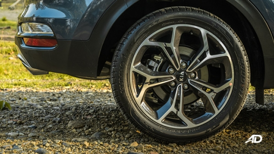 kia sportage review road test wheels exterior