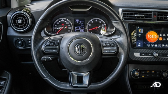mg zs review road test steering wheel interior