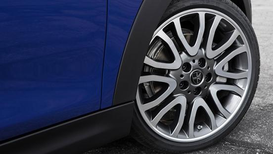 MINI Cooper Convertible 2018 wheel