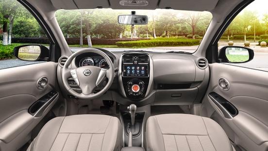 Nissan Almera interior
