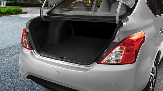 Nissan Almera trunk
