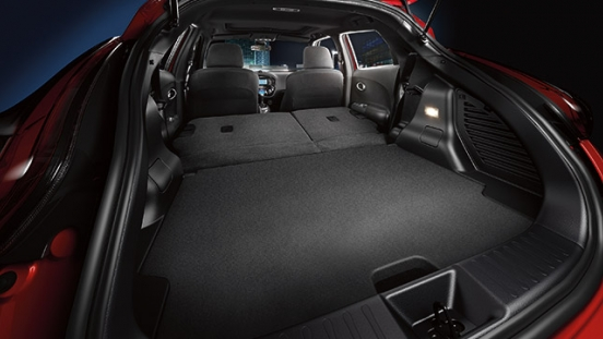 Nissan Juke 2018 rear compartment