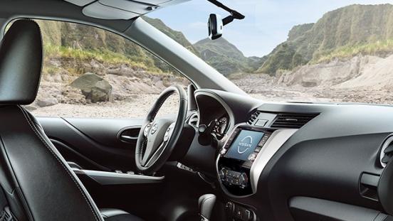 Nissan Navara interior dashboard