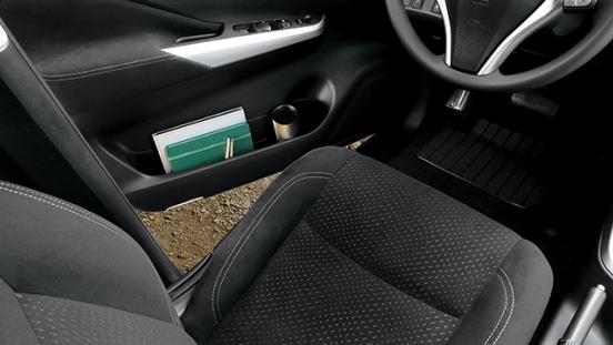 Nissan Navara  seat pocket