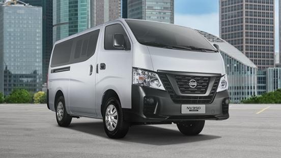 Nissan Urvan Front quarter