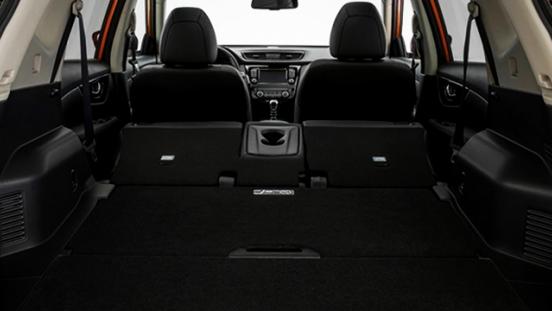 Nissan X-Trail 2018 rear compartment