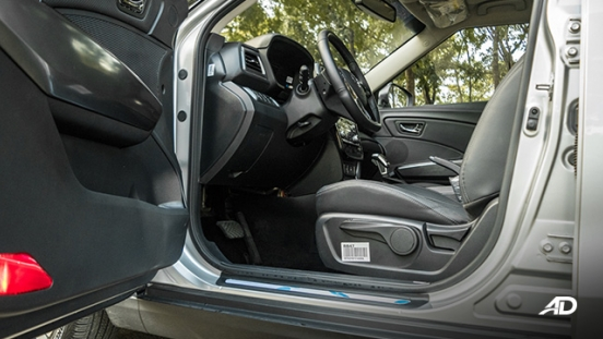 ssangyong tivoli diesel review road test front cabin legroom interior philippines