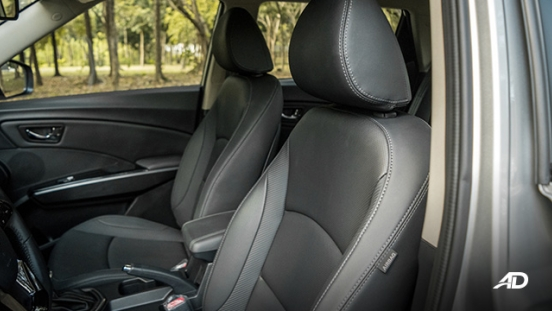 ssangyong tivoli diesel review road test leather seats interior
