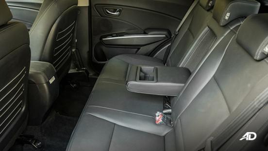 ssangyong tivoli diesel review road test rear cabin legroom arm rest interior