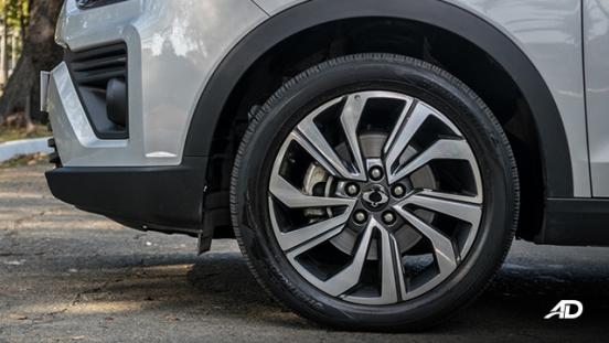 ssangyong tivoli diesel review road test wheels exteror