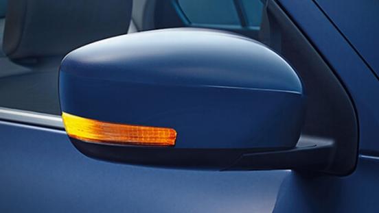 Suzuki Dzire 2018 side mirror