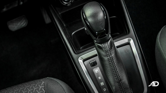 suzuki swift road test interior gear lever