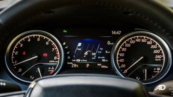toyota camry review road test instrument cluster interior philippines