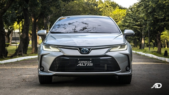 Toyota corolla altis hybrid review road test front exterior