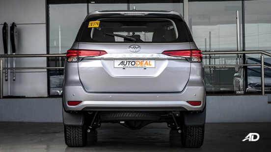 toyota fortuner road test rear exterior