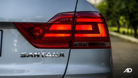 volkswagen santana road test taillights