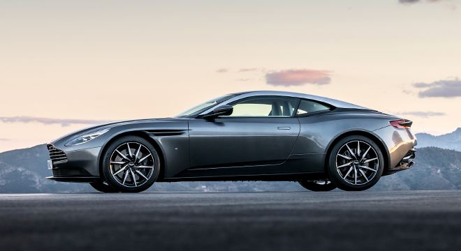 2018 Aston Martin DB11 Coupe side