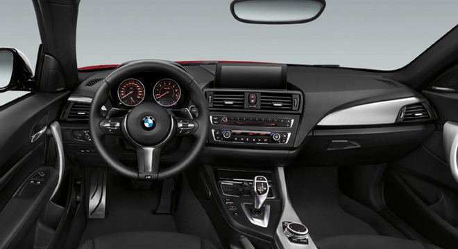2018 BMW 2-Series coupe dashboard