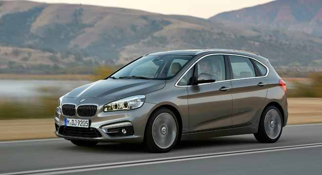 2018 BMW 2-Series Gran Tourer front