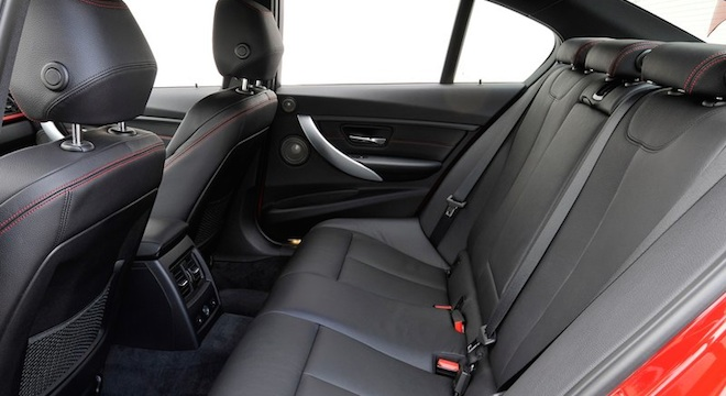 2018 BMW 3-Series Sedan rear seats