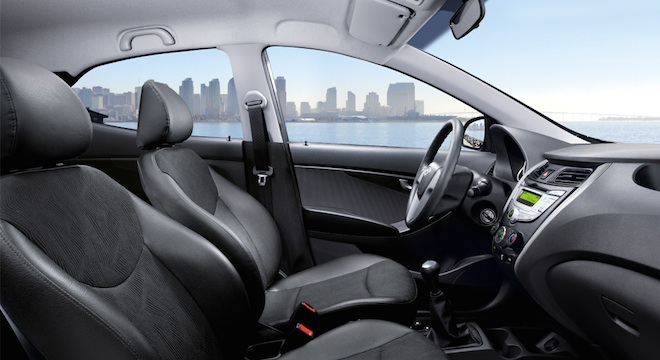 2018 Hyundai Eon side interior