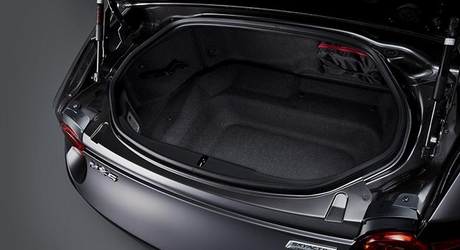 2018 Mazda MX-5 RF trunk