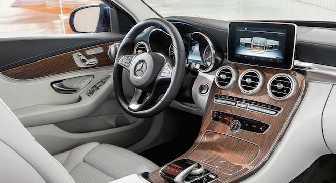 2018 Mercedes-Benz C-Class Sedan interior