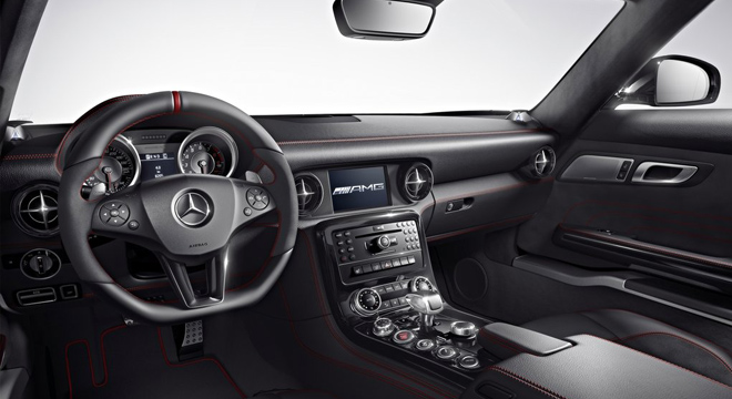 2018 Mercedes-Benz SLS-Class dashboard
