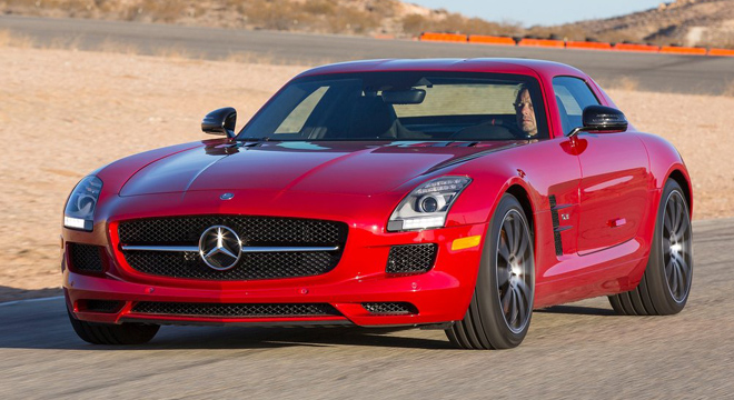 2018 Mercedes-Benz SLS-Class red