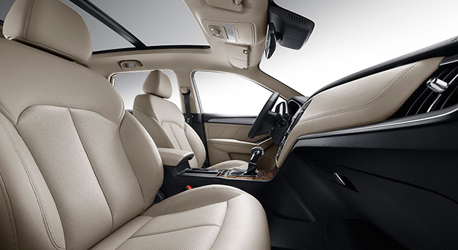 2018 MG RX5 front seats
