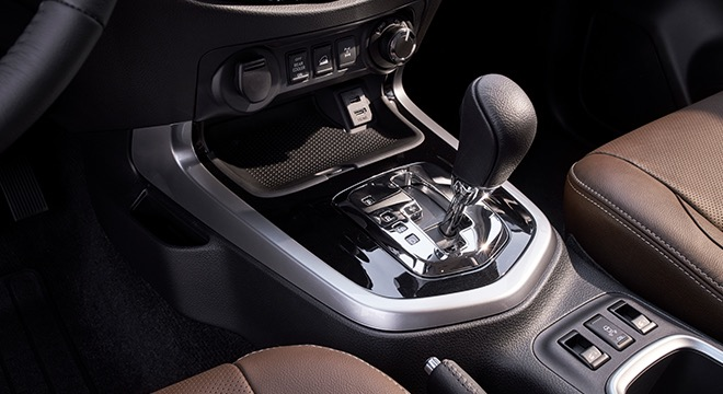 2018 Nissan Terra Gear shift