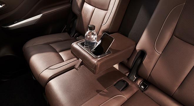 2018 Nissan Terra Rear seat