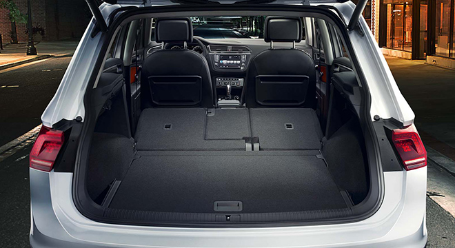 2018 Volkswagen Tiguan trunk