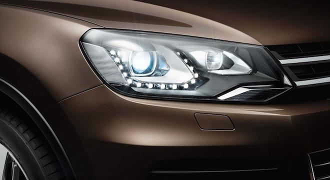 2018 Volkswagen Touareg headlights