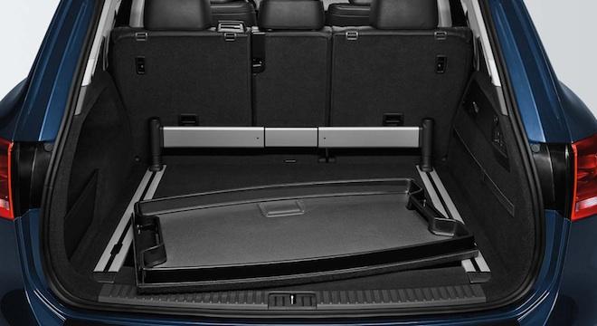2018 Volkswagen Touareg trunk